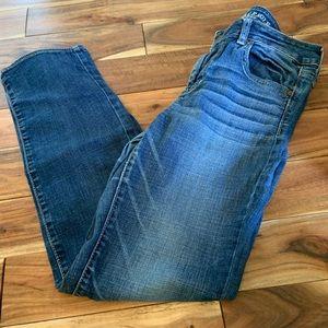 American eagle size 10 straight super stretch jean